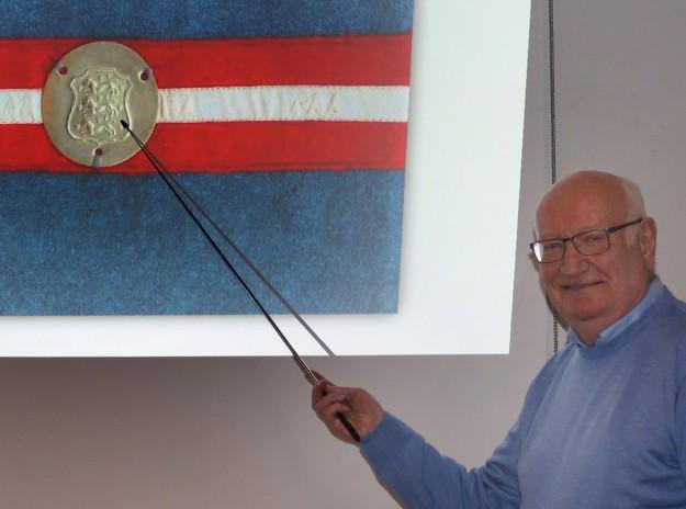 Mogens Hansen indleder sit foredrag med en opridsning af situationen i Danmark 1944. Foto: Finn Hillmose.